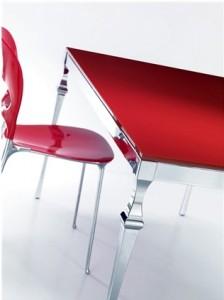 כסא אדום
